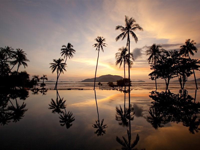 Autre vue de la piscine du Vijitt Resort Phuket en Thailande
