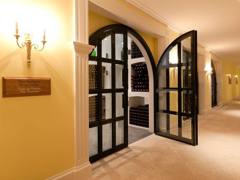 La cave à vin de l'hôtel