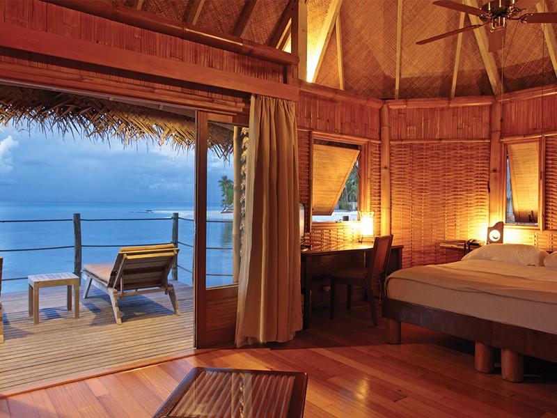 Bungalow Pilotis à l'hôtel Tikehau Pearl Beach Resort en Polynésie