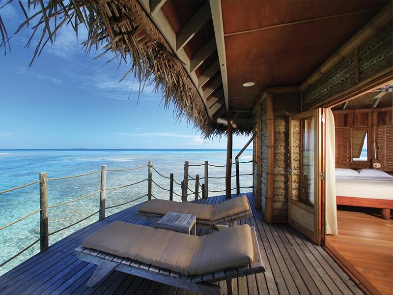 Bungalow Pilotis Premium à l'hôtel Tikehau Pearl Beach Resort en Polynésie