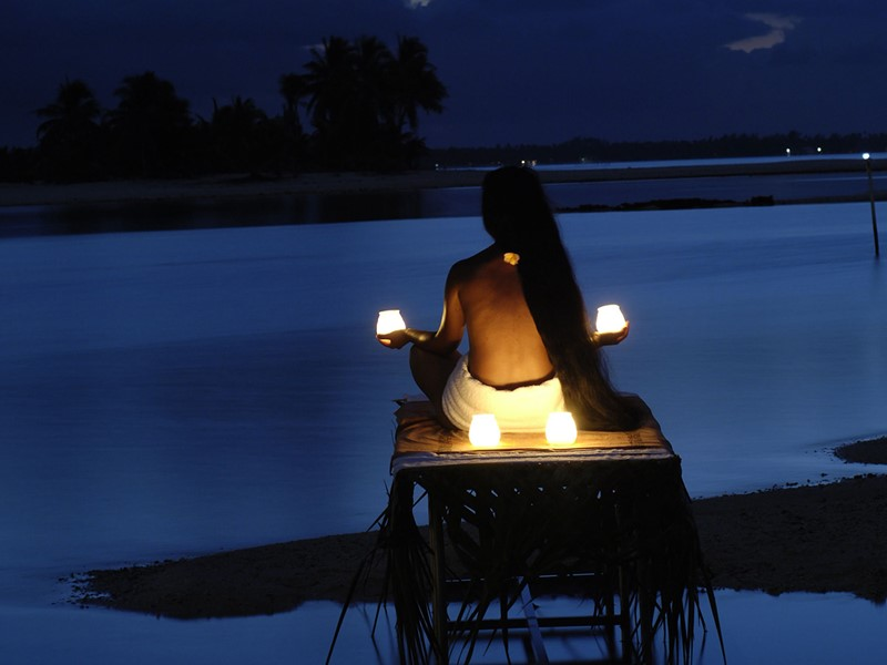 Méditation à l'hôtel 4 étoiles Tikehau Pearl Beach en Polynésie