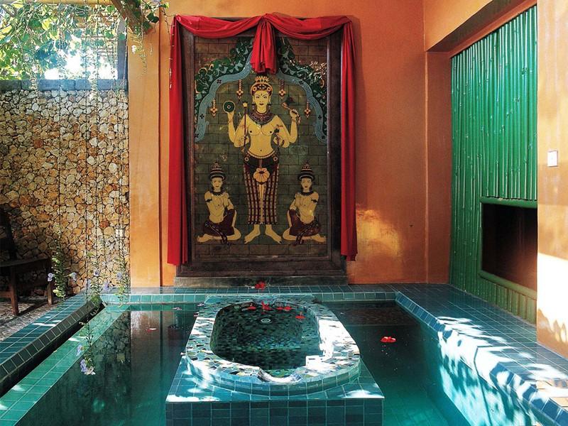 Bain à remous de l'hôtel Tugu Bali à Tanah Lot
