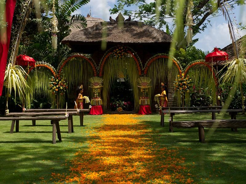 Mariage à l'hôtel Tugu Bali à Tanah Lot en Indonésie