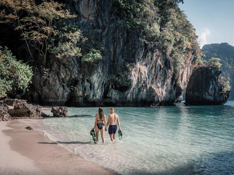 Explorez la baie de Phang Nga