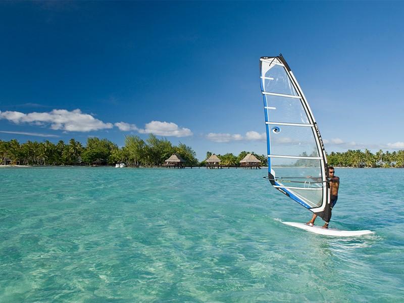 Activité nautique à l'hôtel Vahine Island situé en Polynésie