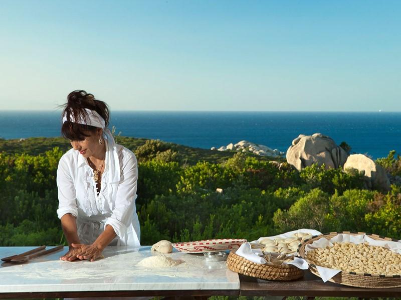 Découvertes des saveurs sardes au Valle dell'Erica avec un cours de cuisine