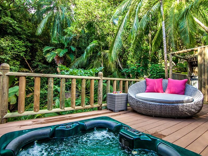 Le bain à remous de l'hôtel Valmer Resort à Mahé