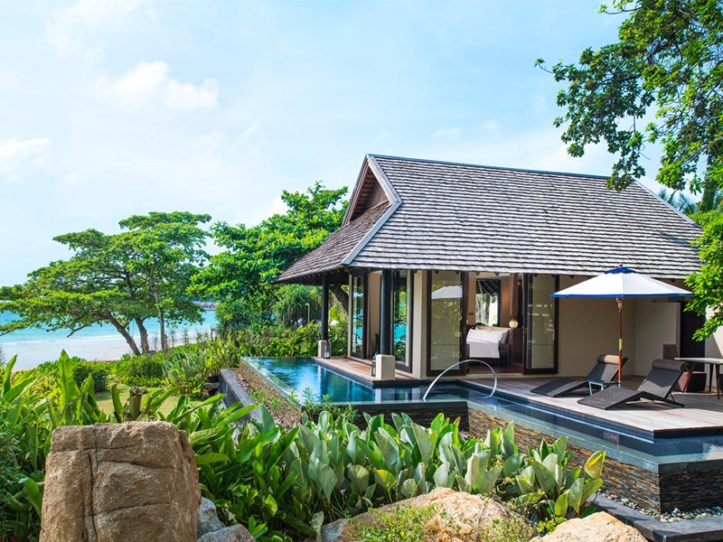 Extérieure de la Tropical Pool Villa du Vana Belle