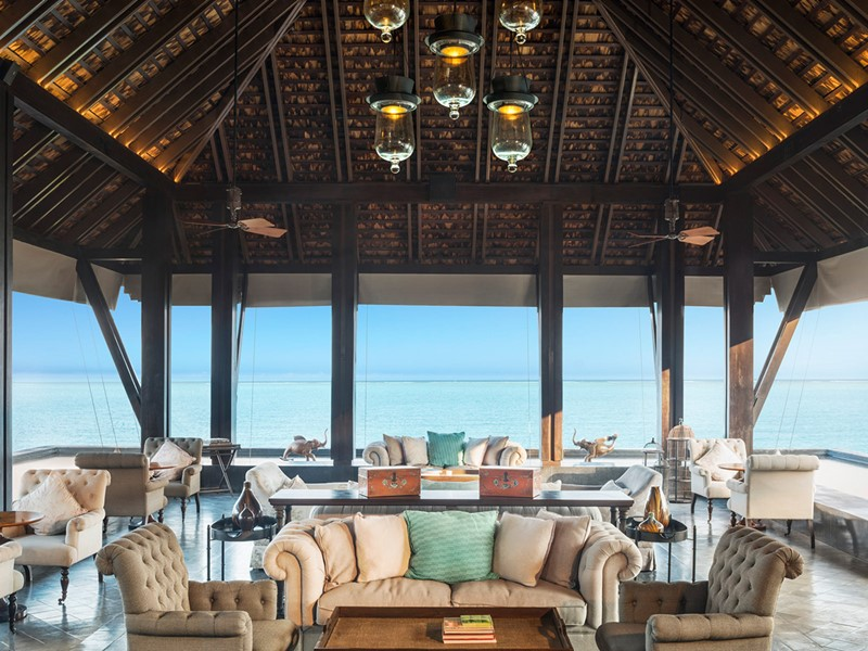 Le lounge du lobby du Vana Belle Luxury Collection Resort