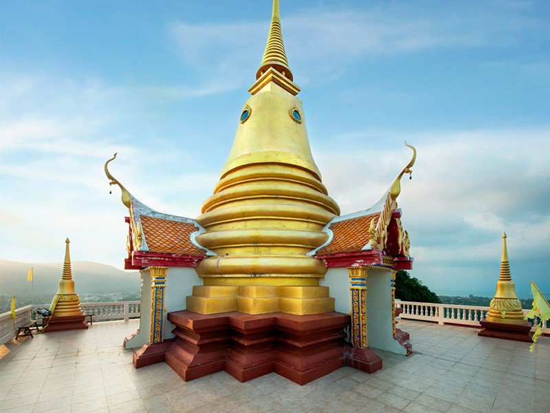 Découvrez le temple de Wat Khao Hua Jook en Thaïlande