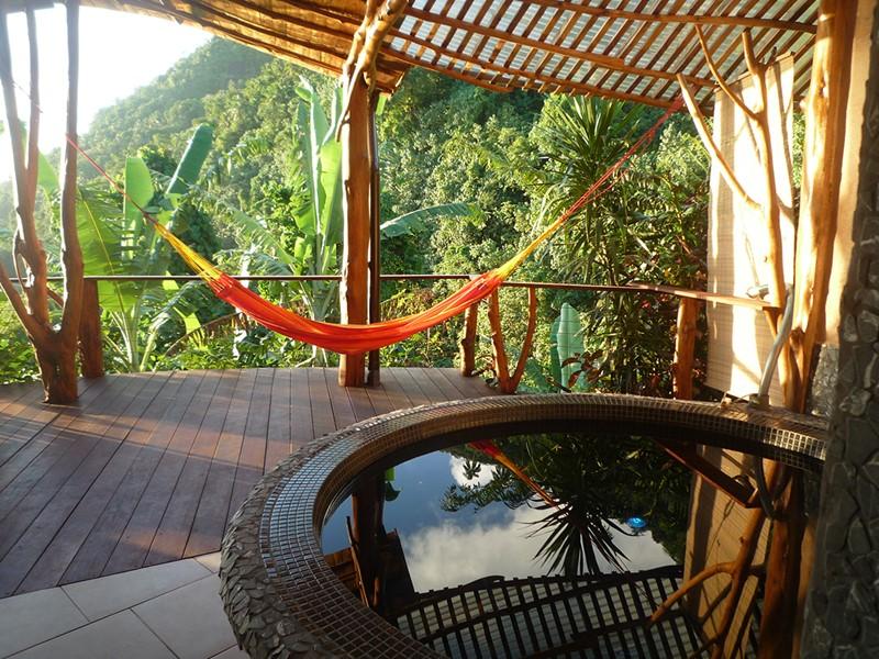 Prélassez-vous dans un cadre atypique au Vanira Lodge