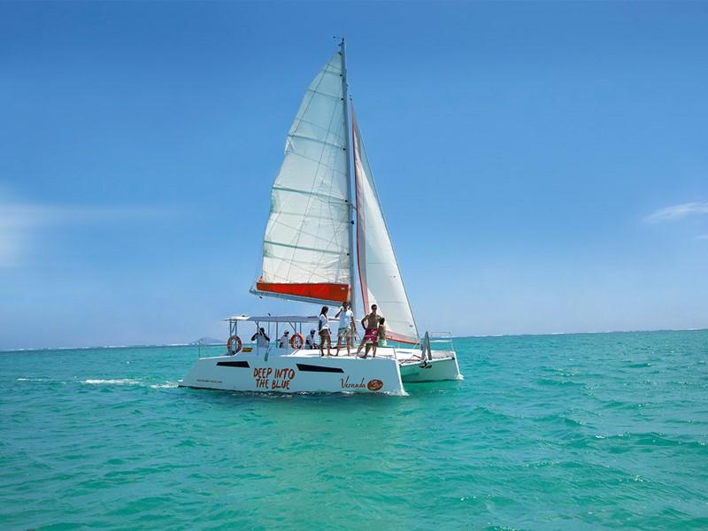 Balade en mer à bord d'un catamaran