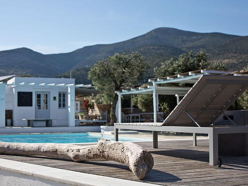 La piscine du Verina Suites
