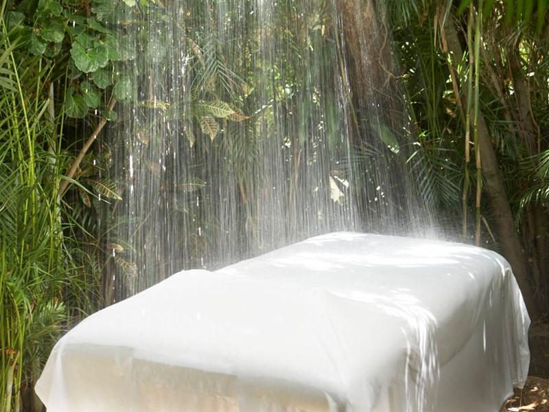 Le spa du Viceroy Riviera Maya est niché dans un paysage tropical luxuriant