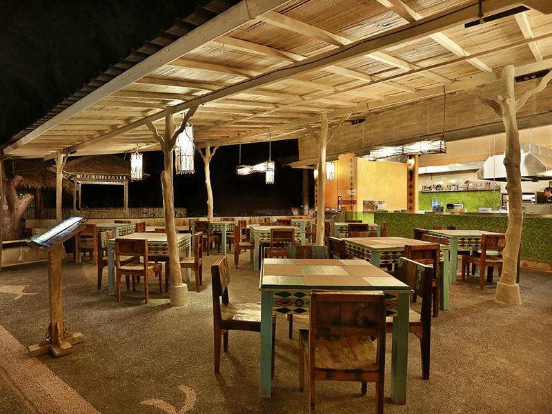Ipanema Restaurant de l'hôtel Vila Ombak