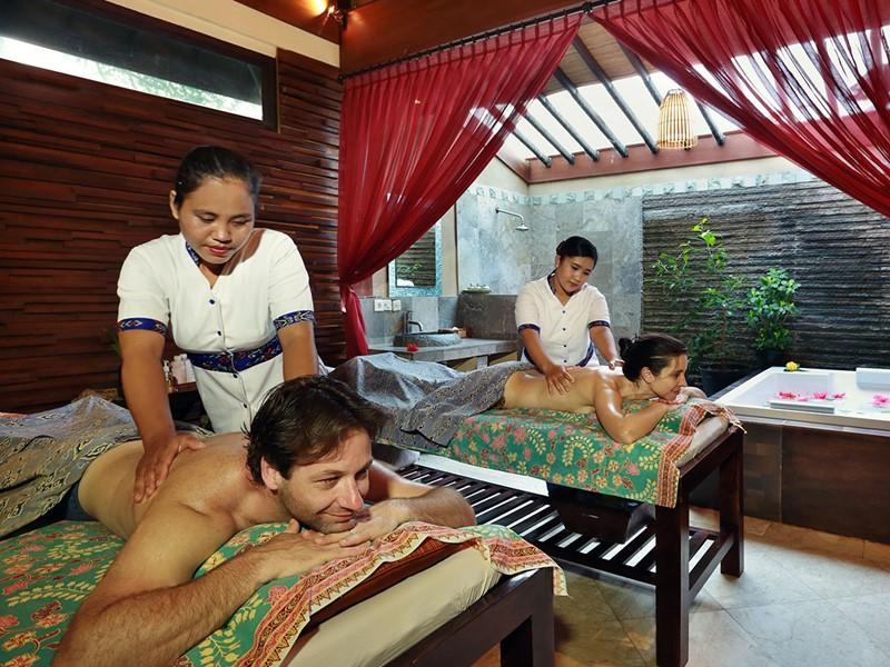 Massage au spa de la Vila Ombak à Gili Trawangan