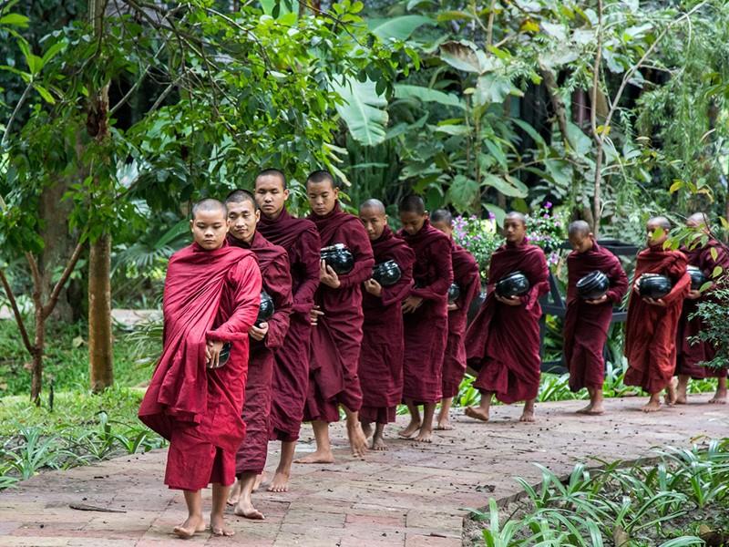 Partez à la rencontre des moines