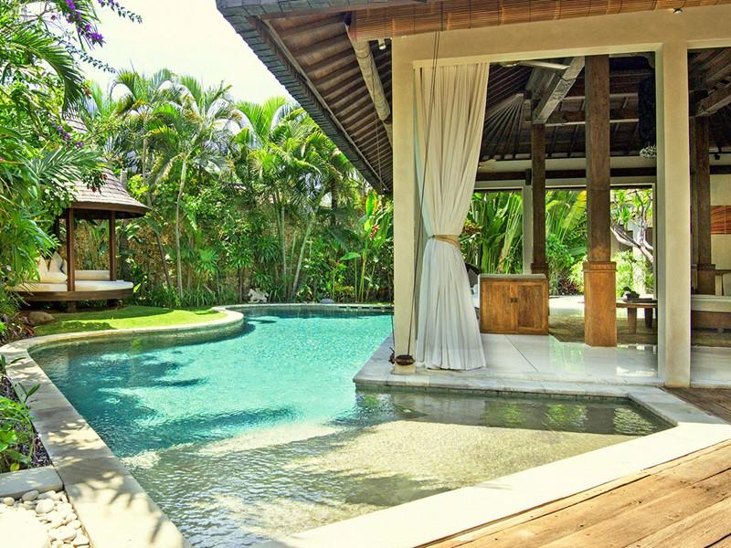 La piscine de la Two Bedroom Premium Pool Villa