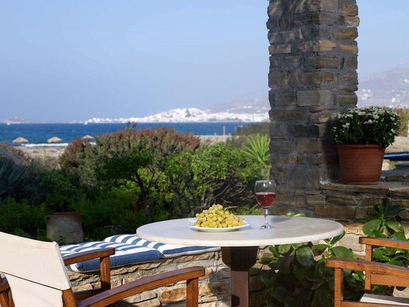 La terrasse d'une chambre du Villa Marandi Luxury Suites en Grèce