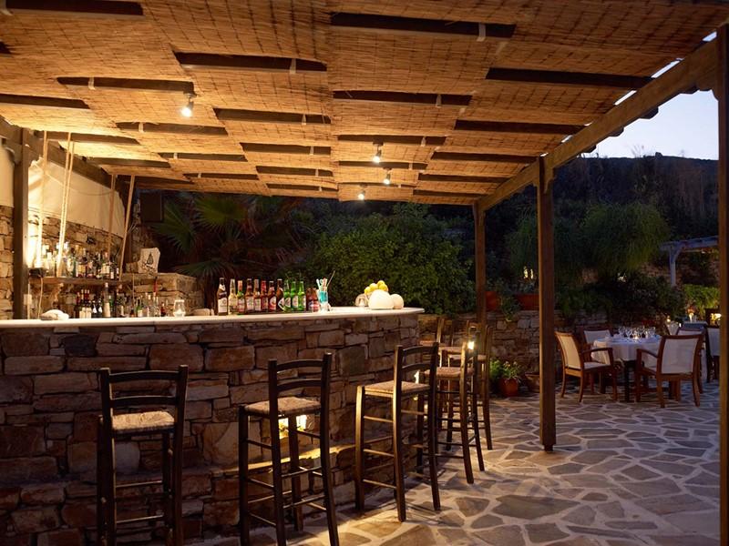 Le bar du Villa Marandi Luxury Suites en Grèce