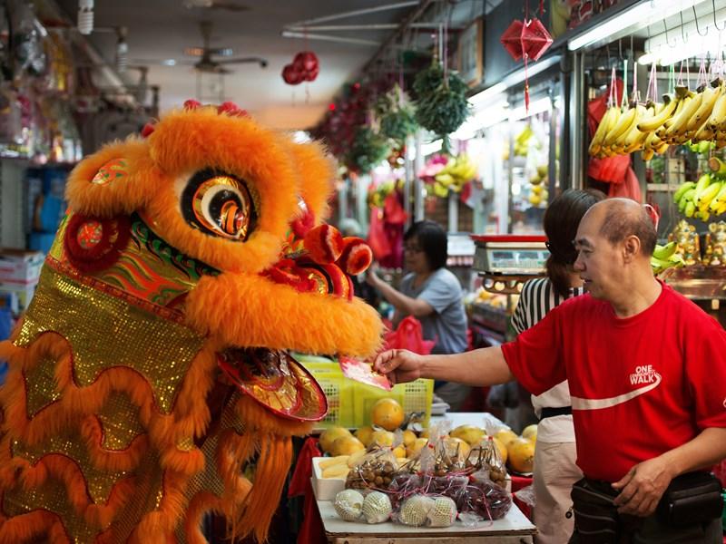 Profitez des mythiques marchés de Singapour, pour y découvrir la culture gastronomique