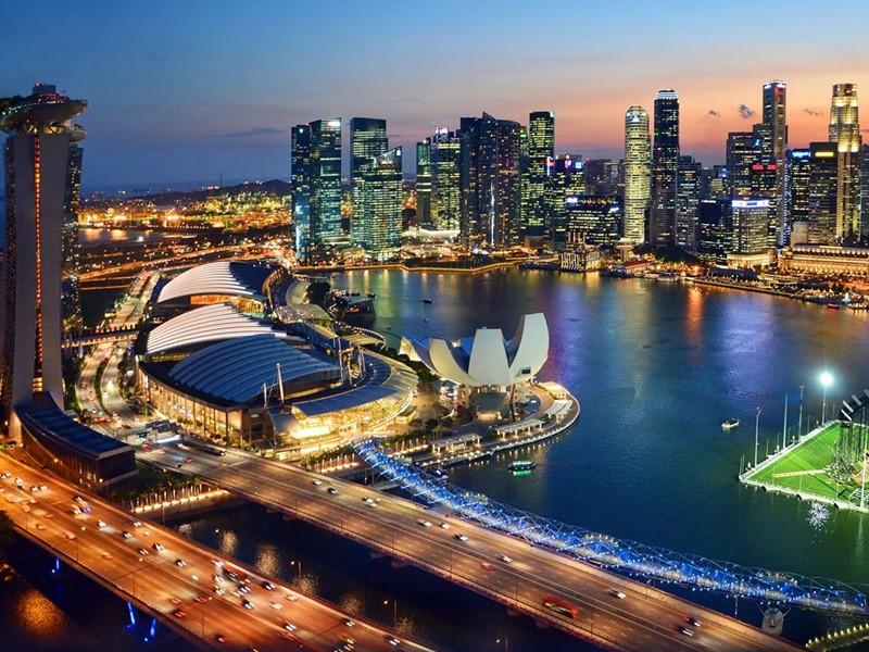 Débutez votre voyage d'exception par la ville fascinante de Singapour