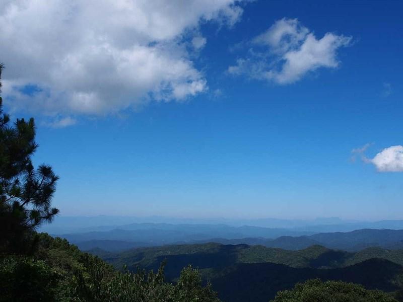Superbe paysage depuis le sommet de Doi Mon Lan
