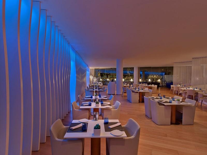 Le restaurant Wave du W Barcelone Hotel en Espagne
