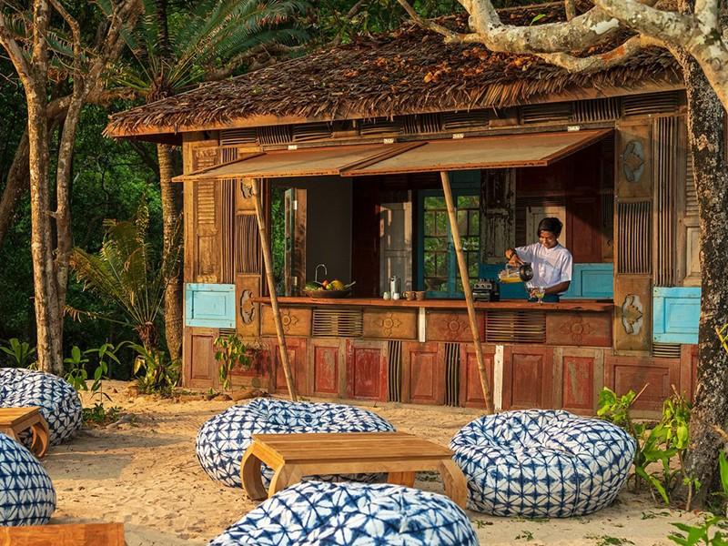 Rafraîchissez-vous au River Cafe Bar