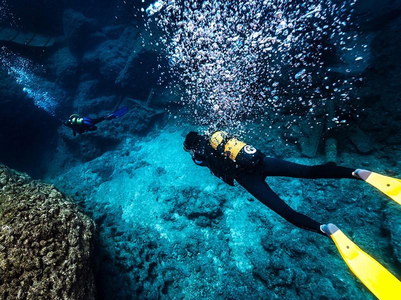 Explorez les fonds marins de Paros