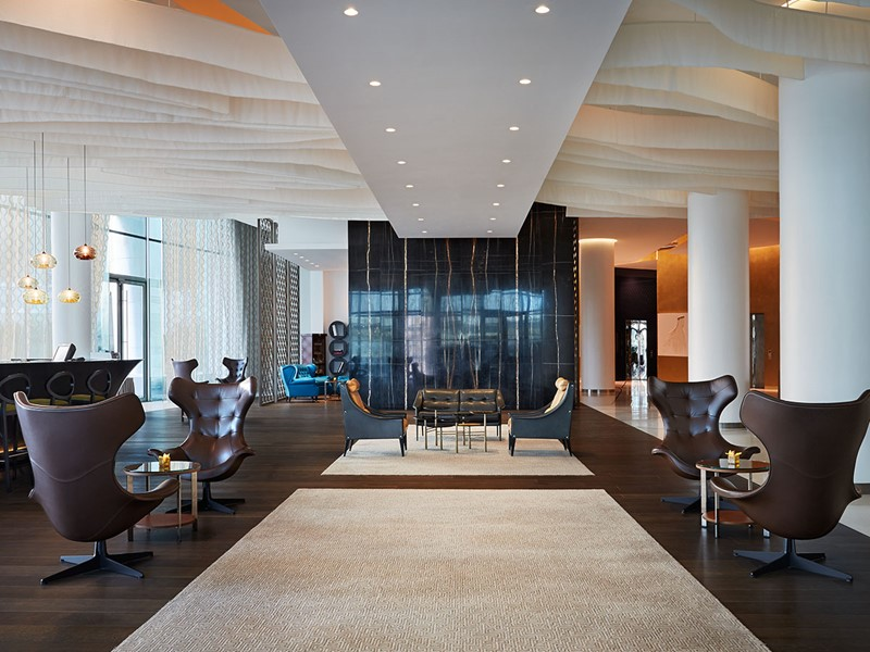 Le lobby de l'hôtel Yas Viceroy