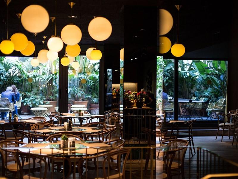 Le restaurant Xibarri du Yurbban Trafalgar Hotel