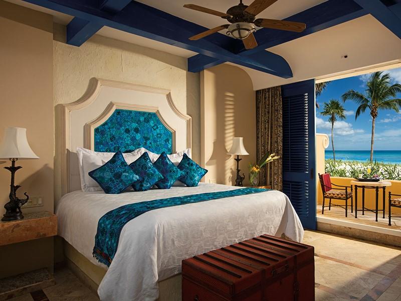 Ocean Front 1 Bedroom Suite Terrace du Zoetry Paraiso