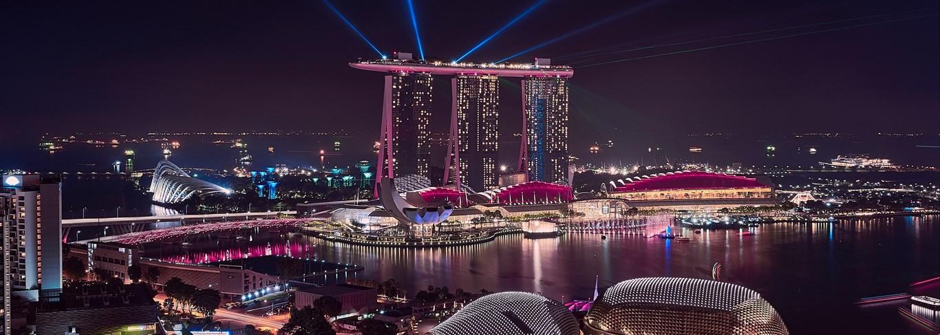 Au tombé du jour, Singapour s'illumine